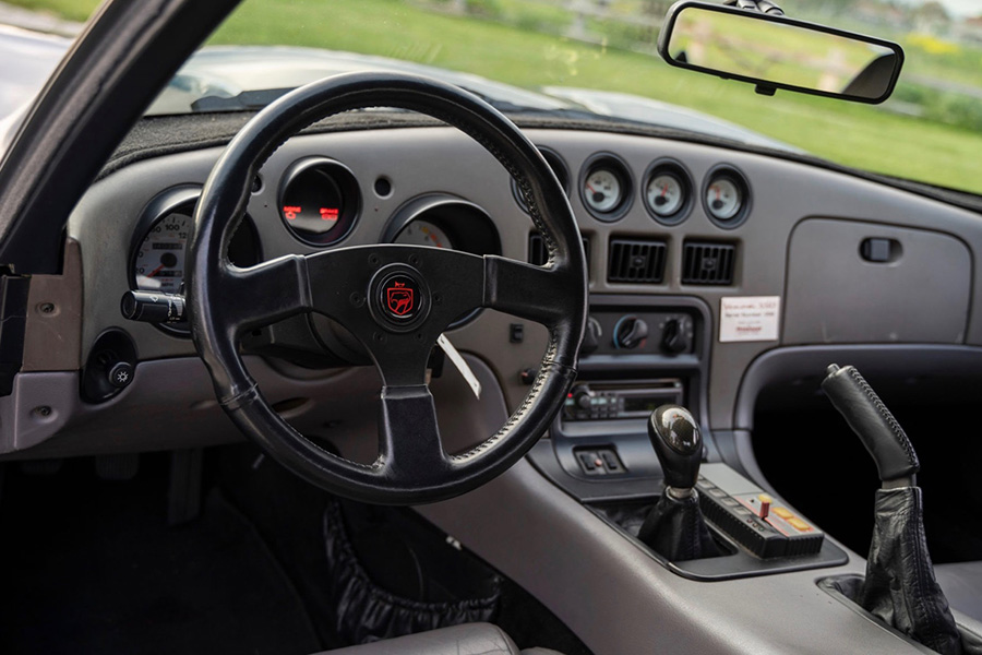 dodge-viper-hennessey-550-venom-1995-interior