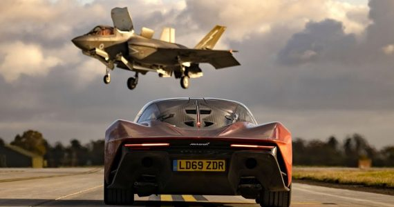 mclaren-speedtail-vs-jet-f-35.jpg