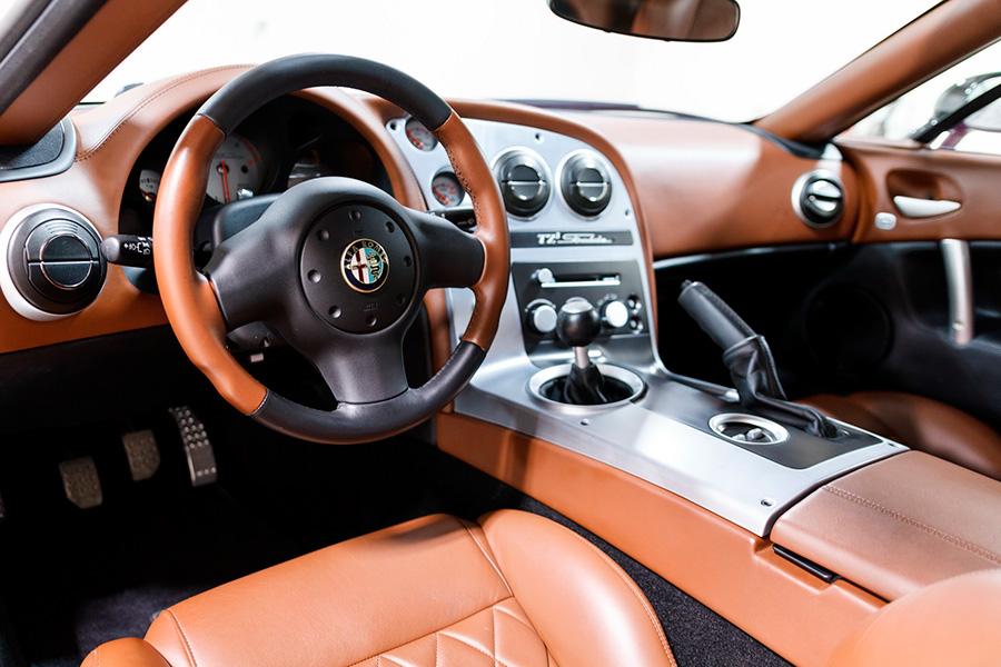 alfa-romeo-tz3-stradale-zagato-dodge-viper-interior.jpg
