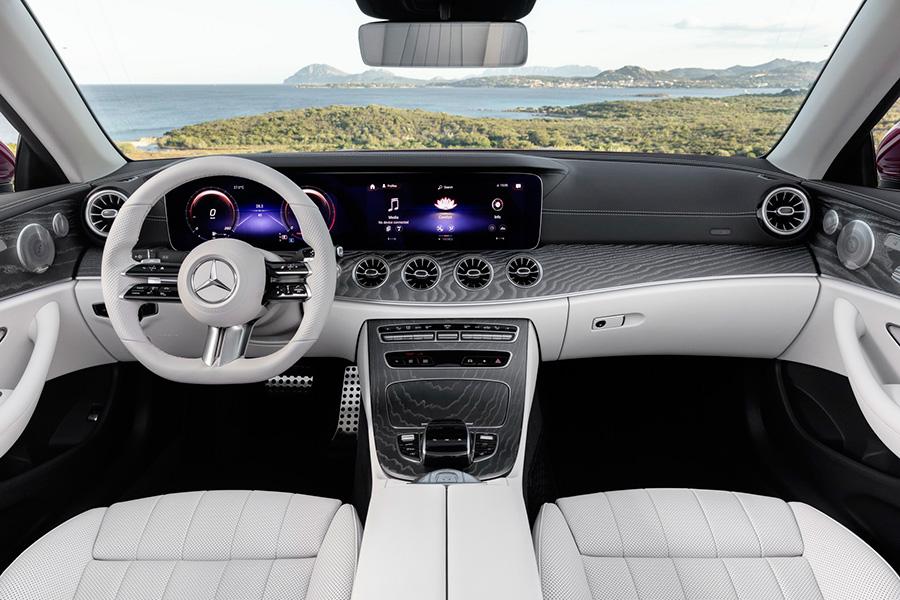 mercedes-benz-clase-e-cabriolet-2021-interior.jpg