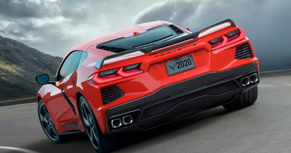 chevrolet-corvette-c8-stingray-2021-debajo.jpg